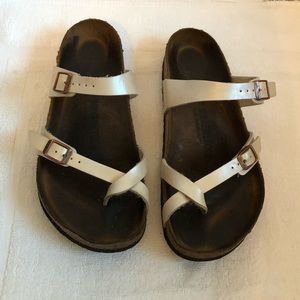 SIZE 9 WELL LOVED PEARL COLORED BIRKENSTOCKS